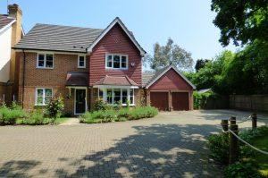 Highcliffe Close, Woodley