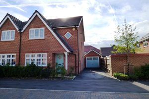 Martinet Road, Woodley
